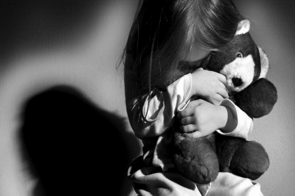 ABUSO SEXUAL NA INFÂNCIA – Quem são os abusadores? Como identificar sinais? O que fazer?